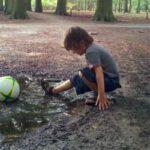 Jongen met bal in plas, Ouders van Nature.nl
