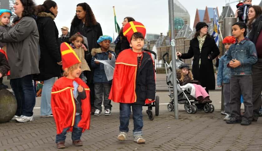 Bij Sinterklaas p schoot, Ouders van Nature.nl