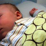 Co-sleeper goed voor de baby