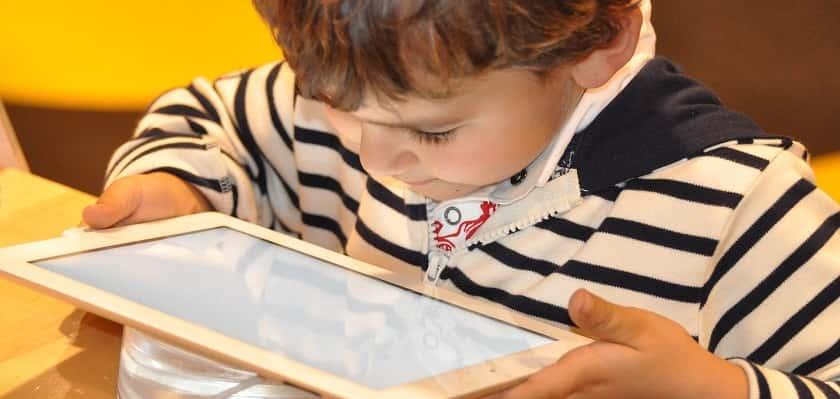 kinderen en tablets