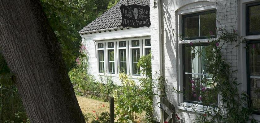 In de Witte Handt op het waddeneialnd Terschelling is een gezellig pension in Midsland.