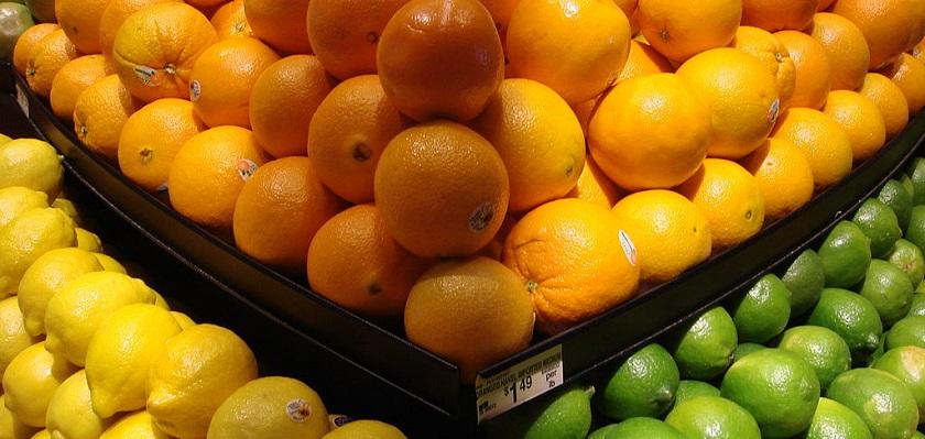 Vraag kinderen het verschil tussen een mandarijn en een sinaasappel zodat ze leren nadenken