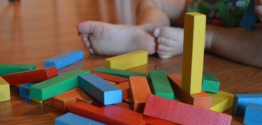 A;s sinterklaascadeautje, kerstcadeautje of verjaardagscadeautje geef je liever duurzaam, gifvrij speelgoed